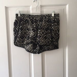 Madewell Black and cream print shorts